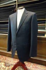 イタリア製生地で仕立てる合いスーツの画像
