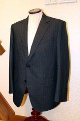 ションヘル織機の生地でオーダースーツの画像